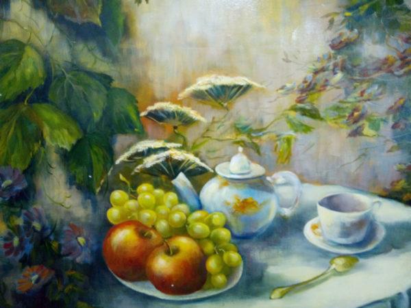 Чашка чая с фруктами