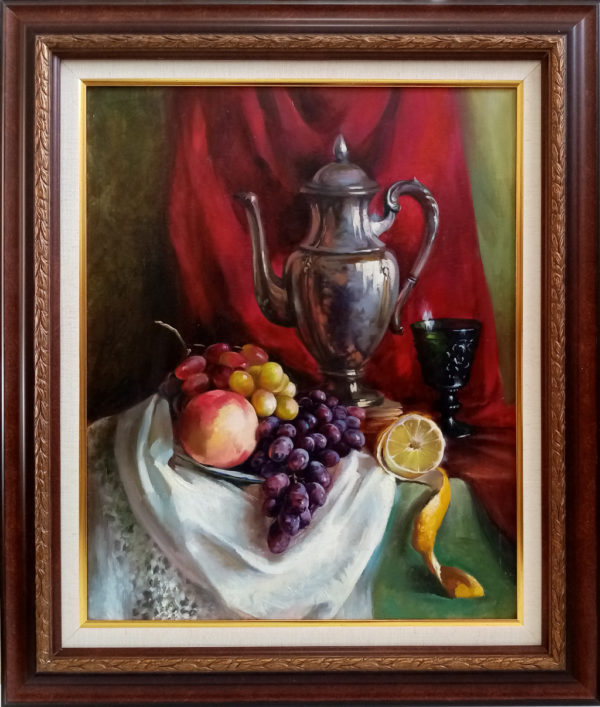 Картина натюрморт кувшин персик и виноград на столе