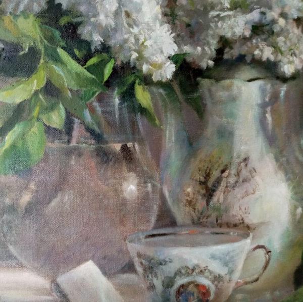 Фрагмент картины сирень и фарфор