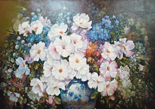Большойй букет цветов в вазе